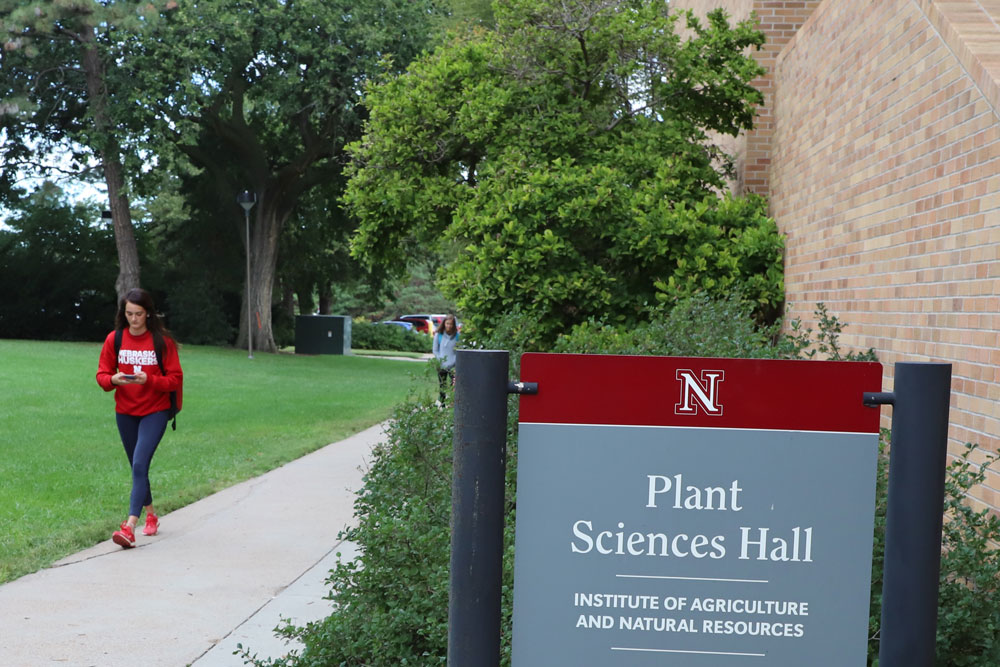 Thirty-nine Agronomy and Horticulture students make CASNR Dean's List.