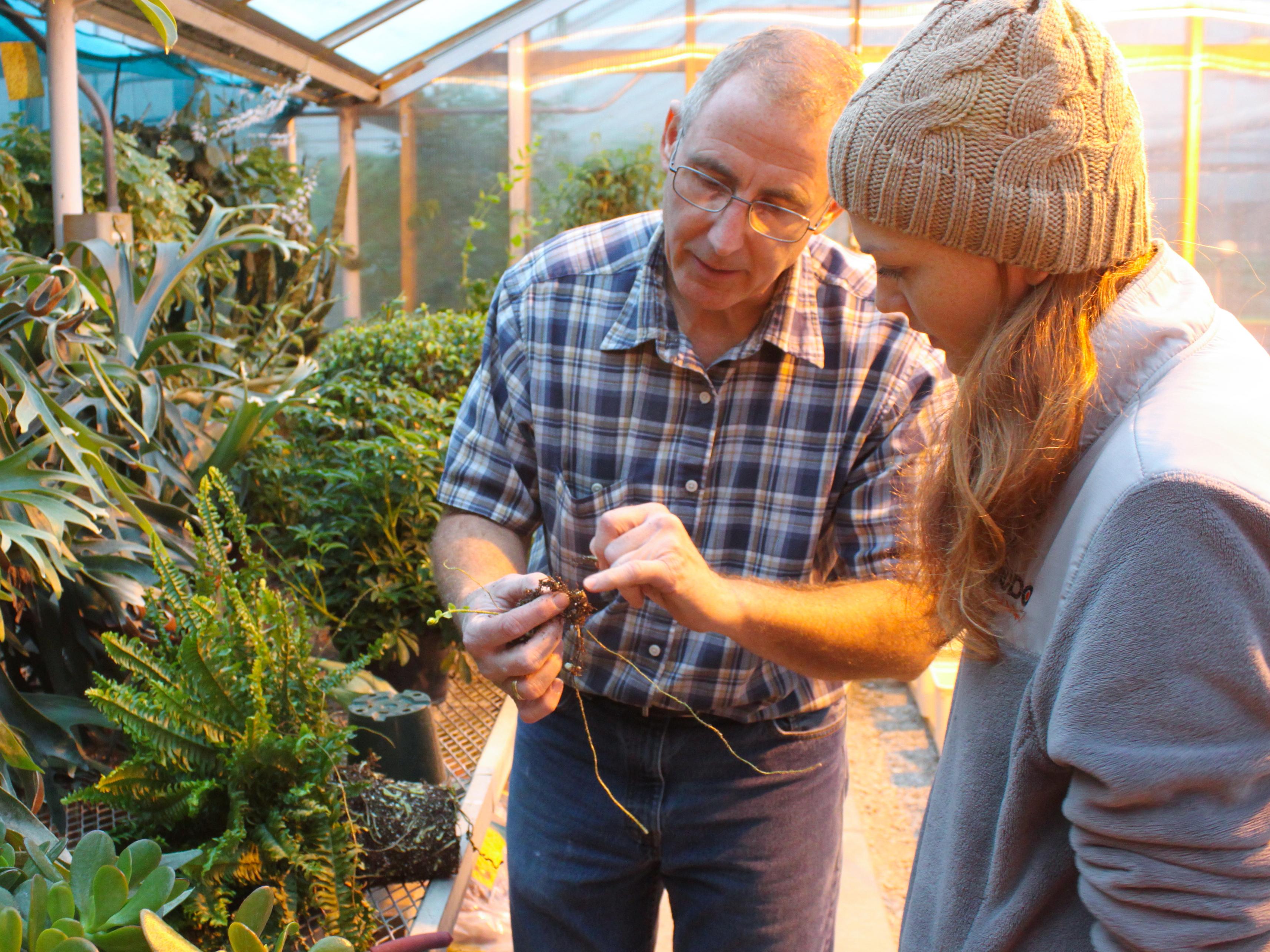 Associate Professor of Practice Stacy Adams with horticulture student Colleen Ocken.